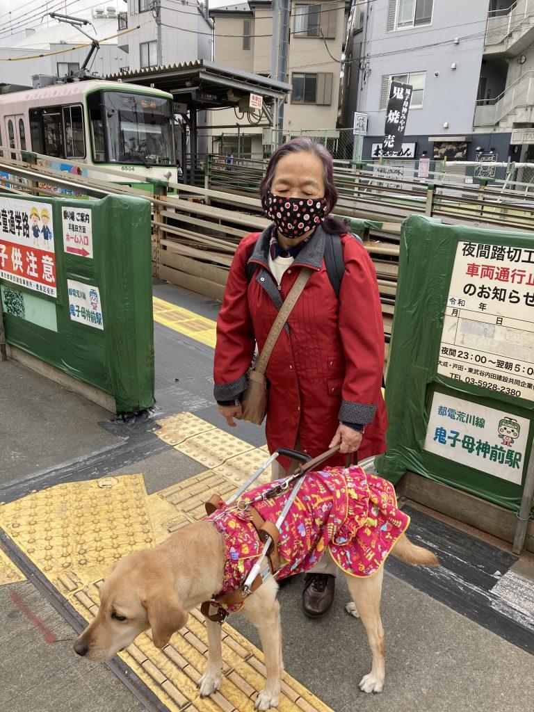 鬼子母神駅での写真